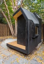 Modern Back Yard Modern Backyard With Entertaining Area In Stylish Australian Home
