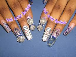 gold design nail art