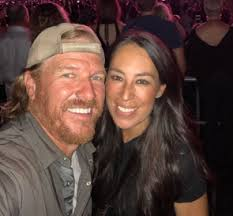 joanna gaines no makeup joanna gaines asks for help from fans after false rumor spreads