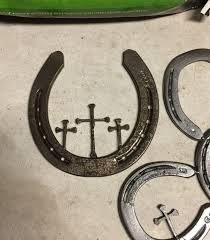 horseshoe decorations for home 10 things you can make with horseshoes butterfly horse and