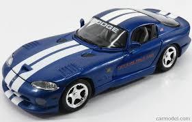 Dodge Viper 1996 - maisto 31828 scale 1 18 dodge viper gts 500 official pace care