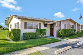 765 west palm beach fl 2 bedroom townhouse for sale average 147 317