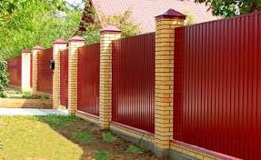 Fence Ideas For Small Backyard by Design Ideas For Your Fence Front Yard And Backyard Designs