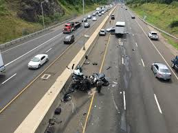 injuries reported in multi vehicle i 95 crash wtnh connecticut news