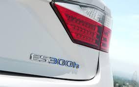 2013 lexus es300h accessories 2013 lexus es 350 and es 300h first test motor trend