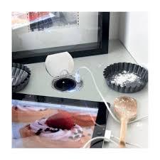 prise electrique encastrable plan travail cuisine bloc prises à encastrer sur un plan de travail accessoires cuisines