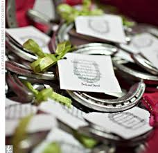 horseshoe party favors wouldn t horseshoes be the wedding favor i would