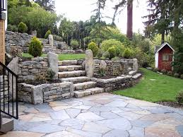 best sloped backyard landscape design sloped backyard ideas on