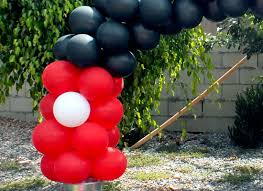 mickey mouse balloon arch sisters crafting