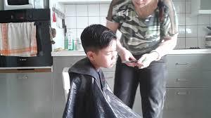 couper cheveux garã on tondeuse coiffure enfant garçon coiffure