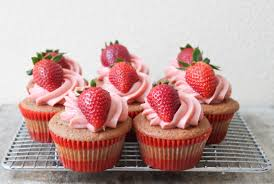 the cupcakes strawberry cupcakes the epicurean