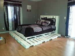 Making A Platform Bed by Make A Platform Bed From Pallets Friendly Woodworking Projects