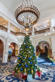 christmas tree at the fairmont chateau at lake louise bri tri com