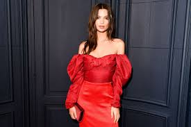 ratajkowski cfda and vogue fashion fund