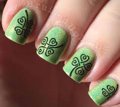 nail art green clover green shimmer holo clover stamped st