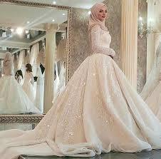 robe de mariã e pour femme voilã e tendance mariage 21 des plus belles robes de mariées voilées en