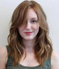 shoulder length hairstyke oval face 40 flattering haircuts and hairstyles for oval faces