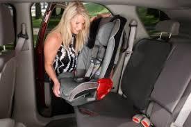 protège siège auto bébé acheter une protection antidérapante pour siège auto enfant le