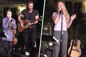 apple martin and chris martin gwyneth paltrow and chris martin u0027s children can sing