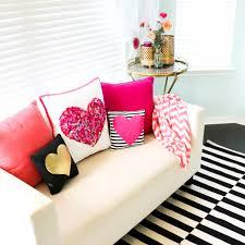 a kailo chic life craft it a no sew felt confetti pillow
