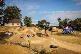 Backyard Bmx Dirt Jumps 2014 Tra Double Cross And Dirt Jump Comp U2013 Full Event Report