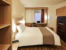 chambre la journ e hotel al heure h tel l 39 heure g nes roomforday h tel l 39 heure