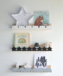 etagere murale chambre bebe etagere pour chambre bebe pin pour etagere pour lit bebe