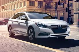 reviews for hyundai sonata 2017 hyundai sonata hybrid car review autotrader
