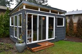 Shed Roof Home Plans by The Combs Family Opted For Two Modern Sheds Including This 12 U0027 By