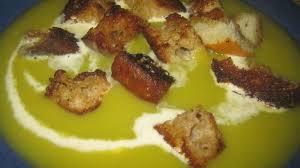 cuisiner le poireau soupe de poireau pommes de terre et croûtons dorés au beurre