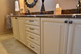 Wellborn Cabinets Price Maple Wellborn Cabinets In Savannah Door Style With Sandstone