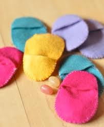 felt easter eggs felt egg pockets things to make and do crafts and activities