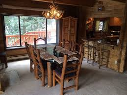 4 bedroom 4 bath red cedar log home on the vrbo dining room