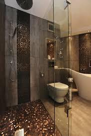 badezimmer in braun mosaik die besten 25 bad mosaik ideen auf badezimmer mosaik