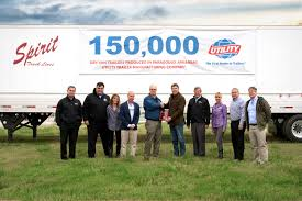 utility trailer manufacturing builds its 150 000th dry van in
