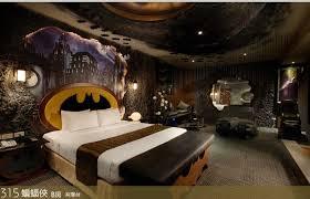 chambre de motel la chambre d hotel à bruce wayne slygeek my style