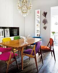 holzstühle esszimmer vintage farbige holzstühle im esszimmer einrichtung