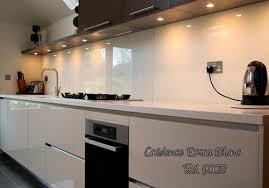 credence en verre trempé pour cuisine crédence de cuisine trempé pour feux gaz crédences cuisine en