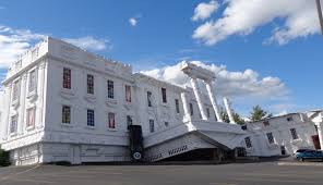 unique places upside down white house wisconsin dells wi usa upside down white house wisconsin dells wi usa