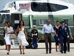 Vacation Obama The Obamas Head To Martha U0027s Vineyard For A Two Week Family Vacation