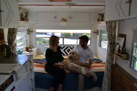 Hgtv Tiny House Hgtv Is There As Lincoln Couple Step Into U0027tiny House On Wheels
