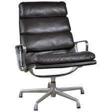Eames Leather Chair Charles And Ray Eames Lounge Chairs 110 For Sale At 1stdibs