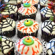 Halloween Cup Cakes by Creepy And Silly Halloween Cupcakes Gray Barn Baking