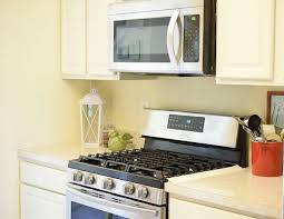 how to clean oak cabinets my painted kitchen cabinets a year later