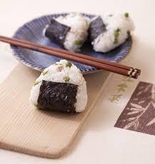recette cuisine japonaise facile onigiri au poulet et petits pois cuisine japonaise recette