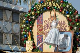 When Do You Put Christmas Decorations Up Close Going To Disneyland At Christmas Pros And Cons