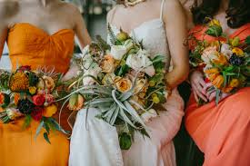 several fall wedding decorating ideas to enhance the venue