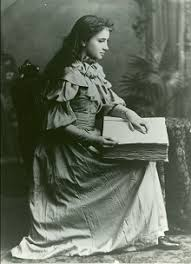 How Old Was Helen Keller When She Became Blind Helen Keller Biography And Facts Helen Keller Reading And