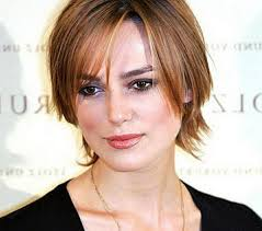 woman with extremely thinning hair short hairstyles for thin hair with bangs impressive women layered
