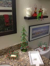 Christmas Bathroom Decor Pinterest by 64 Best Christmas Bathroom Decor Images On Pinterest Christmas